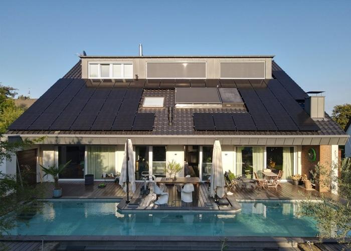 Heimspeicher verdoppelt CO2-Einsparung der Photovoltaik-Anlage im Haushalt | Hoehnerhaus